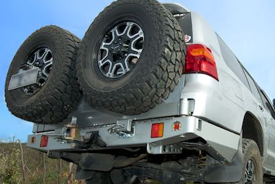 Rear bar and wheel carriers