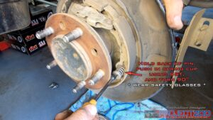 Remove seconf brake shoe landcruiser 200
