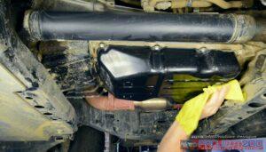 Clean transmission pan