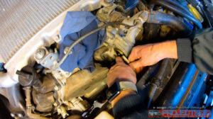 Landcruiser 200 remove thermostat